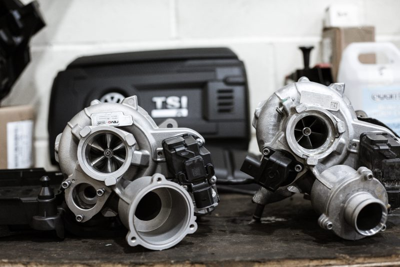 Revo IS38ETR Turbo upgrade para el Volkswagen Golf R300 MQB